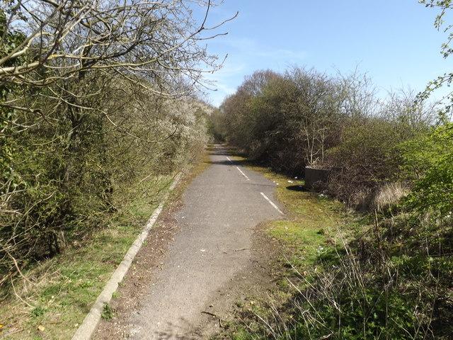 Footpath to Ayot Green Way