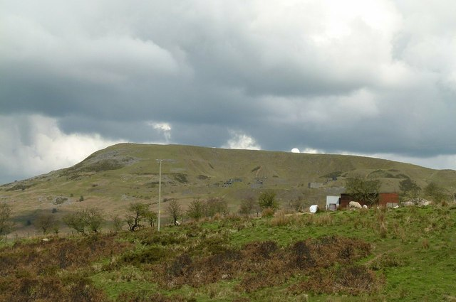 View towards Titterstone Clee Hill from Dhustone