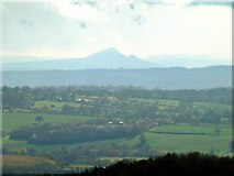 SO6175 : View from the toposcope at Clee Hill by Alan Murray-Rust