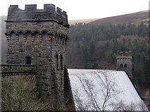 SK1789 : Derwent Reservoir dam wall by Andrew Tatlow