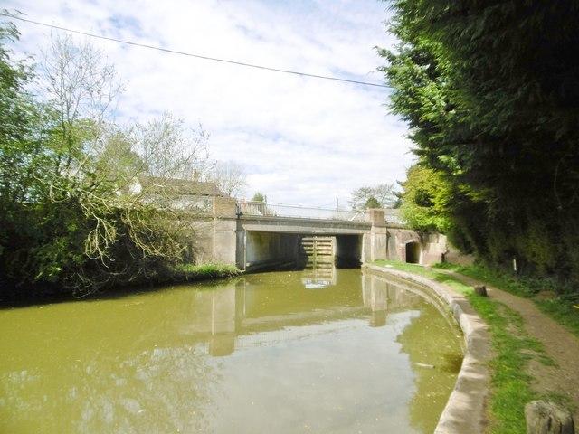 Long Buckby, Bridge No 11