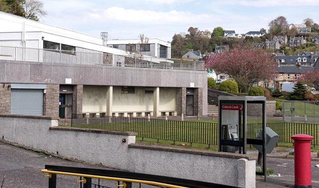 Former public convenience, Corran Esplanade - May 2016 (2)