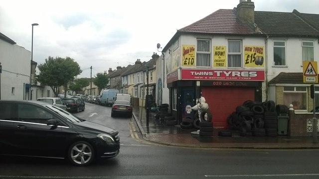 Tyre shop, Whitehorse Road, Thornton Heath