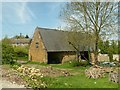 SP8899 : Barn on Top Lane, Bisbrooke by Alan Murray-Rust
