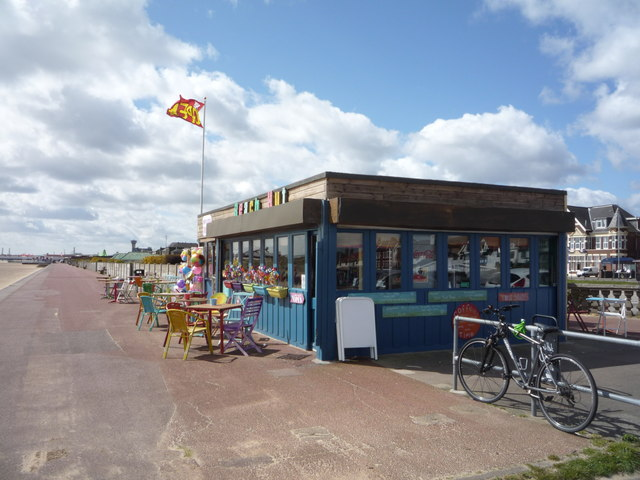 Beach Hut Cafe, Great Yarmouth © JThomas :: Geograph Britain and Ireland