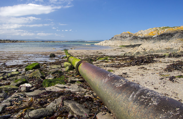 Old pipeline, Sandeel Bay