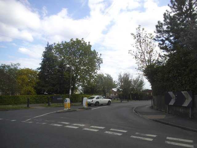 Farm Road at the junction of Pinkneys Road
