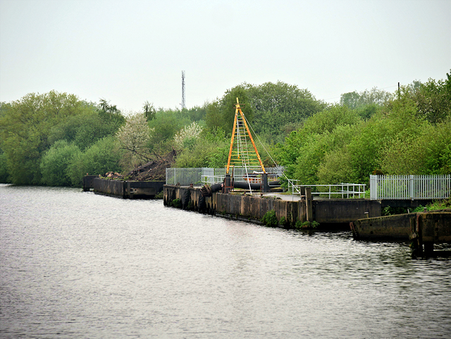 Manchester Ship Canal, Dredging Jetty near Thelwall