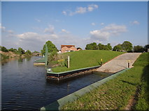 TF2643 : Slipway at Hubbert's Bridge on the South Forty Foot Drain by Ian Paterson