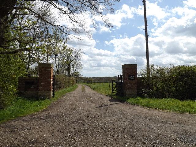 Entrance to Lemans Farm