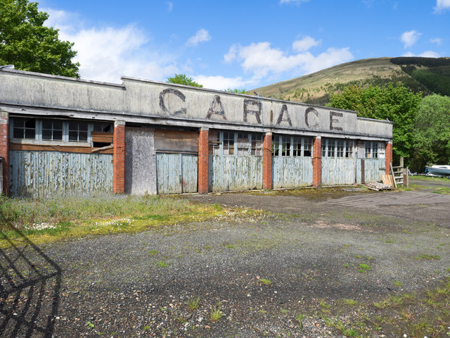 Disused garage building at Lochearnhead