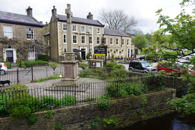 War memorial and the Royal Hotel, Hayfield