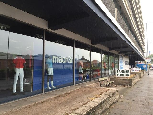 Newcastle-under-Lyme: Macron store