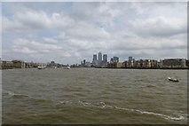 TQ3580 : Along the Thames by DS Pugh