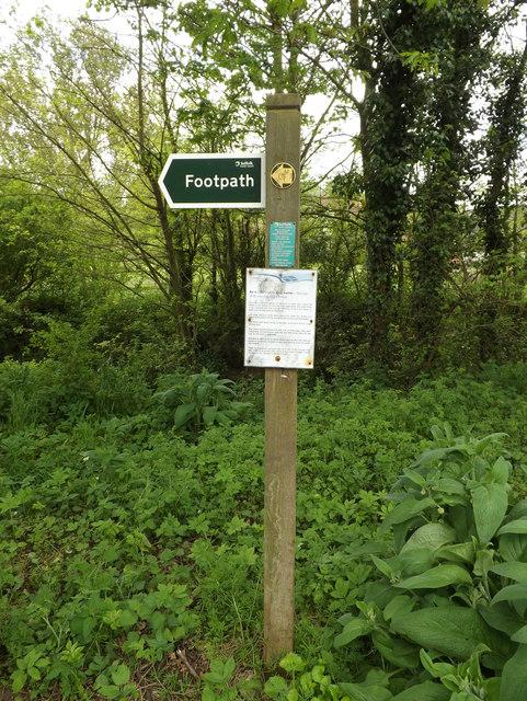 Footpath sign off Flynn Lane