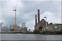 TQ2677 : Lots Road power station and Chelsea Waterfront by Jim Barton