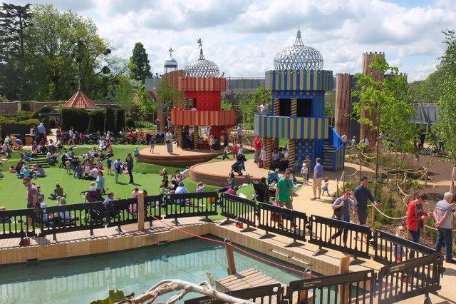 The Magic Garden, Hampton Court
