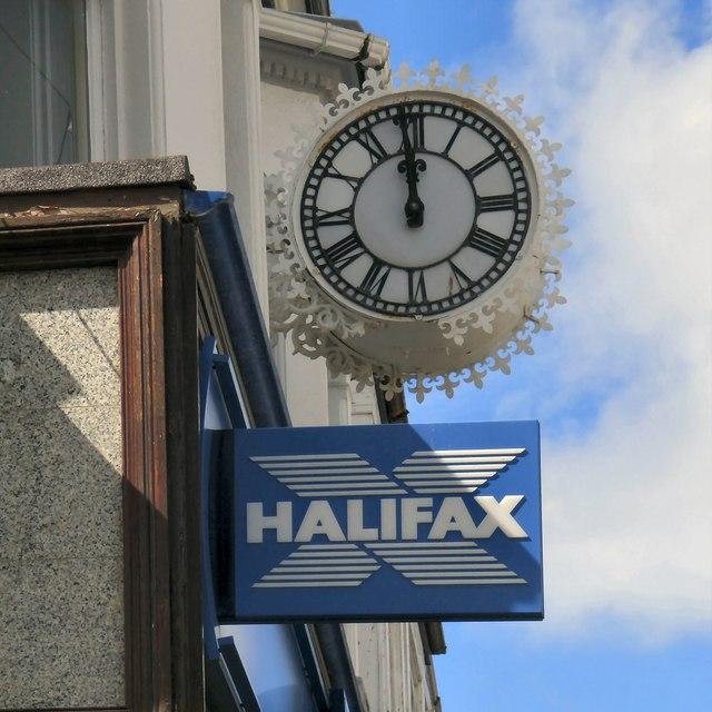 The clock at 86 Mostyn Street