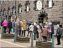 NM8530 : Distillery tour queue - May 2016 by The Carlisle Kid