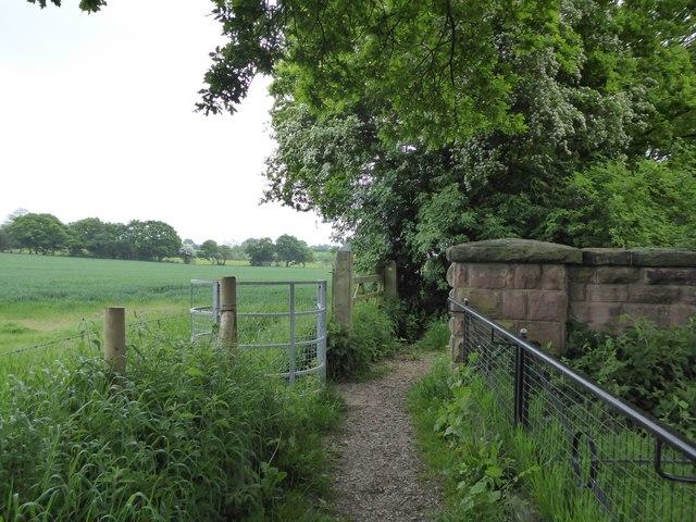 Bridge and kissing gate over Merelake Way