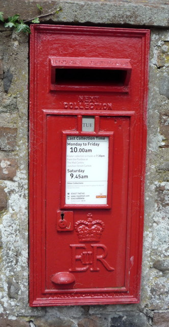 Close up, Elizabeth II postbox, St Mary's Church, Beaumont
