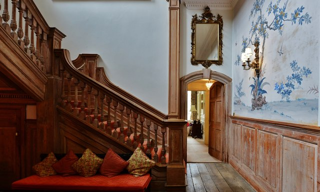 Kingston Bagpuize House: Cantilevered staircase used in the filming of Downton Abbey 1