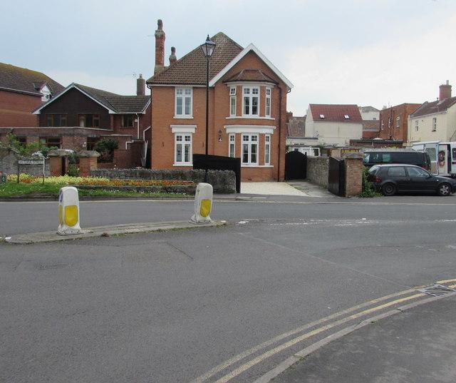 Victoria Street pedestrian refuge, Burnham-on-Sea