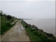 TA0025 : Humber  foreshore  to  the  Humber  Bridge by Martin Dawes
