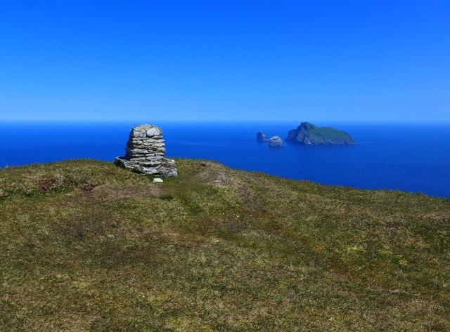 Summit cairn on Conachair