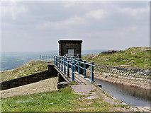 SD9617 : Bridge over Drain near Blackstone Edge Reservoir by David Dixon