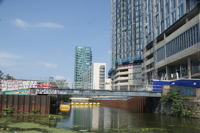View along the Bow Back River from the River Lea