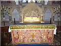 SU9072 : St Mary, Winkfield: altar by Basher Eyre
