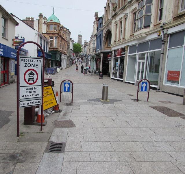 Fore Street Pedestrian Zone sign, Redruth