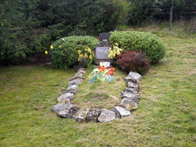 Dot's grave