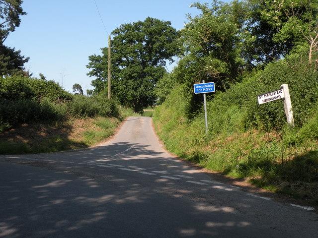 Road to Little Maplestead near Doe's Corner