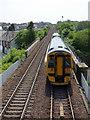 NT1691 : Train leaving Cowdenbeath station by Thomas Nugent