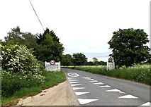 TL9568 : Entering Stowlangtoft on The Street by Geographer