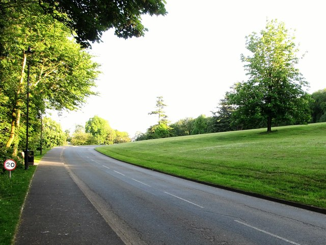 The main drive of the Palace Demesne