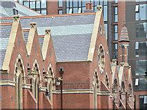 J3372 : New School of Law, Queen's University, Belfast - June 2016(2) by Albert Bridge