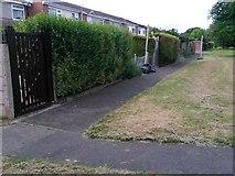 SZ0794 : Ensbury Park: western end of footpath N27 by Chris Downer