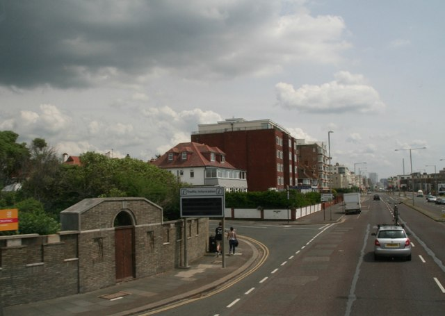 Junction of Kingsway and Princes Crescent, Hove