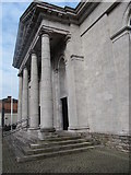 H8745 : The portico of Armagh Courthouse by Eric Jones