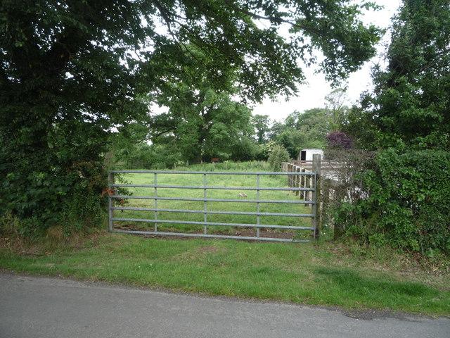 Field entrance, Aikton