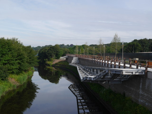 The River Aire from the new road bridge at Kirkstall Forge