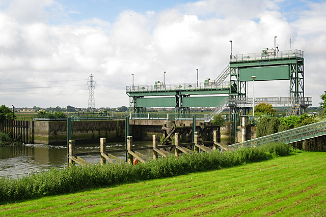 Dog-in-a-Doublet Sluice