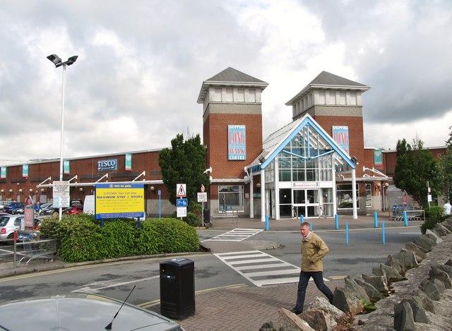 The Long Walk Shopping Centre