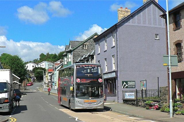 Bus entering Machynlleth