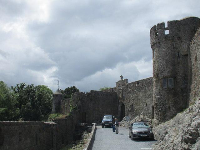 Cahir Castle, entrance
