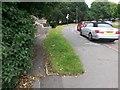 SZ0695 : West Howe: footpath U28 diverges from Moore Avenue by Chris Downer