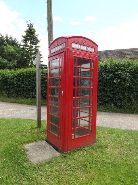 Telephone Box on Lodge Lane